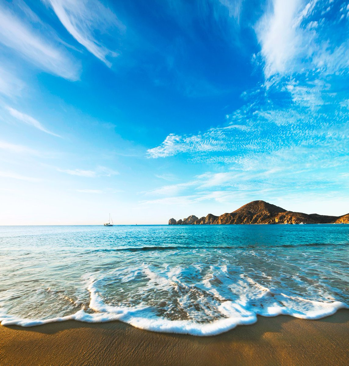 Retweet if you would rather be here right now. #Cabo #TGIF #MedanoBeach #CaboNow #CaboSanLucasBay @SunwingVacay https://t.co/mULsaPn3JC
