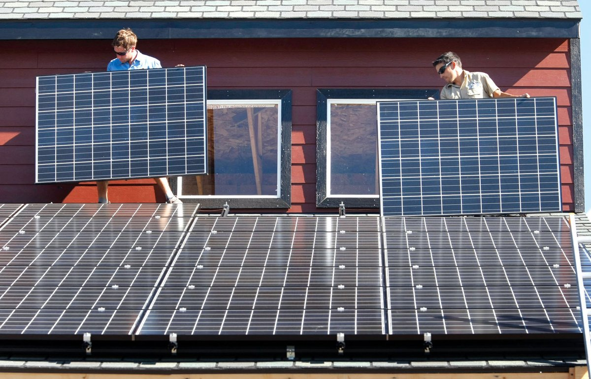 U.S. Solar Created More Jobs Than Oil And Gas Extraction https://t.co/Bs0sH33MbP https://t.co/CTuF8Yv85D