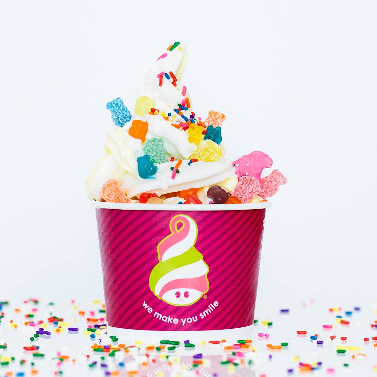Have you planned your mix for National Frozen Yogurt Day?  It's coming up on Feb. 1st!  FREE froyo 4-7pm!  *US only https://t.co/FJsBnfiJse
