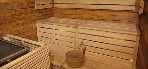 RT @HelsinkiAirport: How about enjoying a sauna at the airport?