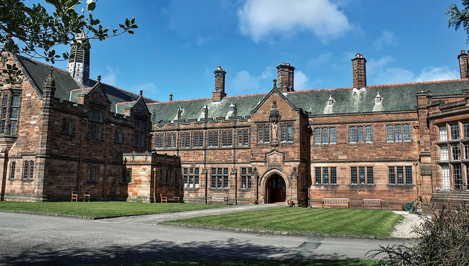 Ah, if only I were younger! The wonderful @gladlib is looking for three interns https://t.co/lPeV9ji7Qh https://t.co/mXKx29s1MI