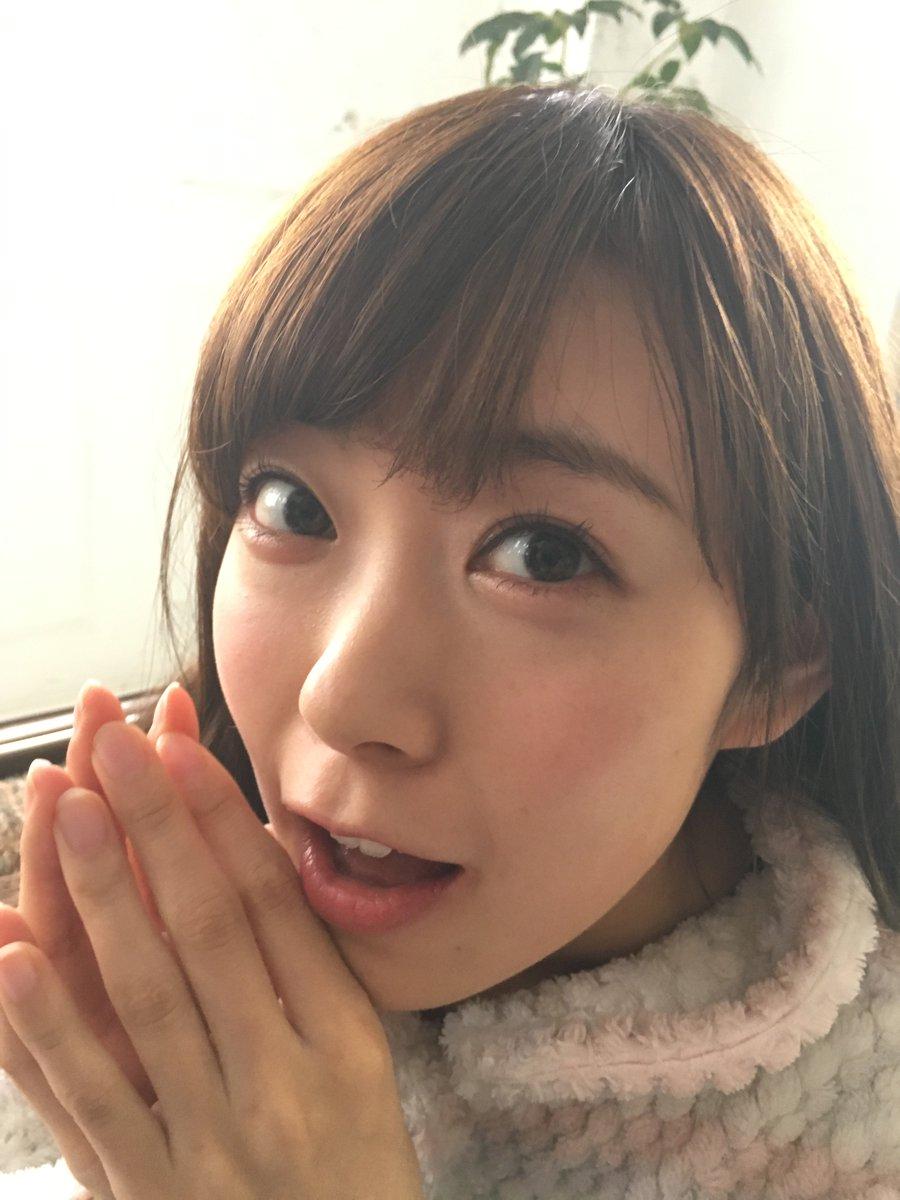 NMB48大特集のBUBKA3月号発売記念でオフショットを掲載!まずは表紙&巻頭グラビアの渡辺美優紀さん。白間美瑠さんが大人になった事に複雑と言いつつ、カメラマンの横で盗撮しまくってました(笑)。 #ブブカ #みるきー #みるるん https://t.co/VeuwmAcXOD