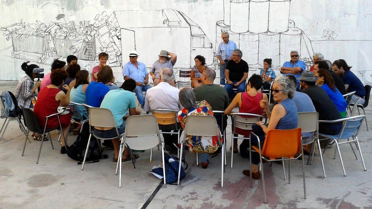 Construyendo lo Común en el @teatrobarrio > https://t.co/YnpcNCLjpK #urbancommons https://t.co/rpSKPXhIGx