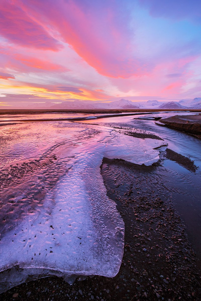 A spectacular sunset over ice in a stream, Iceland. Canon 5DIII, Canon 16-35mm f/4 lens, ISO 50, f/11, 2.5 seconds. https://t.co/7Hxa0uSJ0S