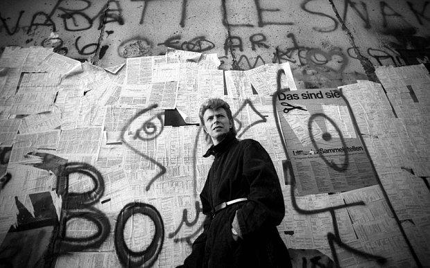Take a peek at David Bowie's idiosyncratic art collection, via @artnet https://t.co/XiIybVIlOH https://t.co/mC41wmCVWv
