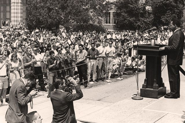 Martin Luther King Jr. spoke @UCLA on April 27 1965 in front of appx 5K people at the bottom of Janss Steps #MLKday https://t.co/2bA9Q74cMV