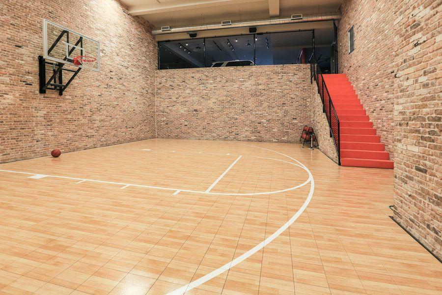 See inside Jordan Spieth's new Dallas mega mansion, with 12-car garage, hoops court https://t.co/uruMMLoZB4 https://t.co/Igk6GZgJM0