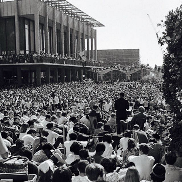 MLK speaking to thousands of #Cal students, May 17, 1967. Photo by Art Frisch, San Francisco Chronicle. #MLKDay https://t.co/0GDxAeOoHa