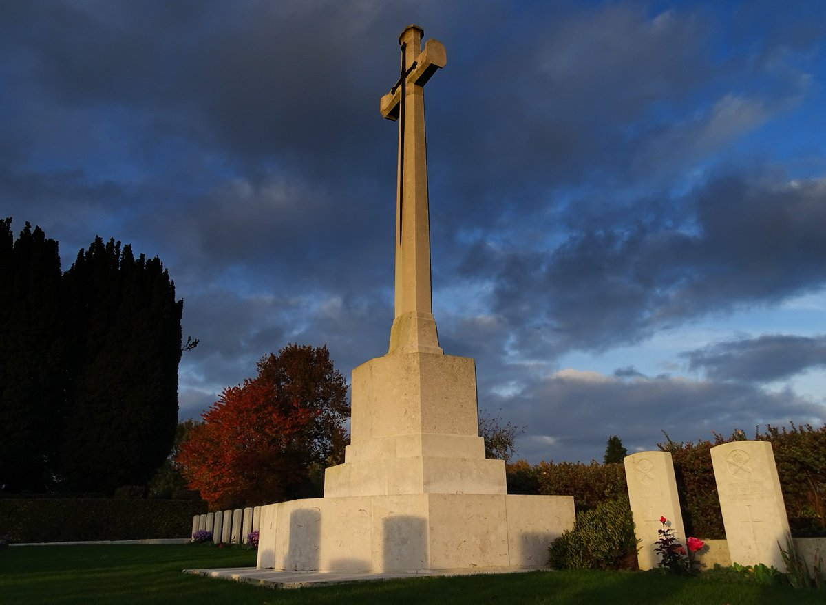 Memorials in Forceville Communal Cemetery and Extension ...