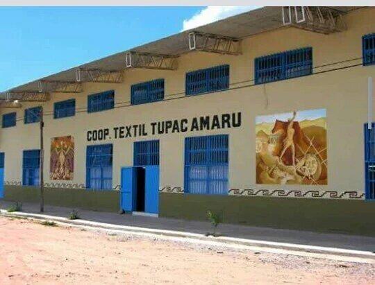 Cooperativa textil de @SalaMilagro y tallere clandestinos en la CABA de @mauriciomacri. ¿Quién debería estar preso? https://t.co/nbsyfFxsF7