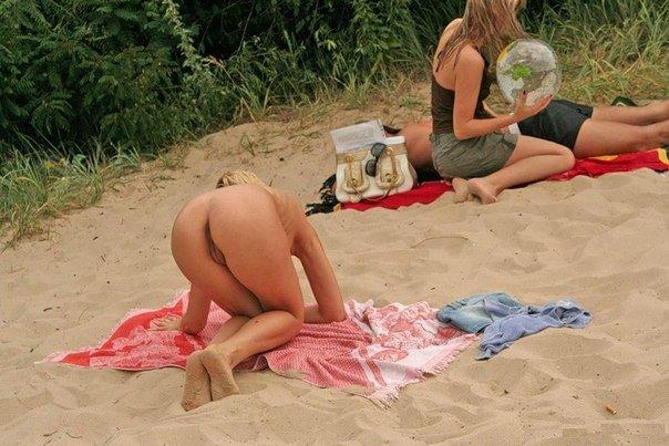 переодевание на пляже фото людей любительская