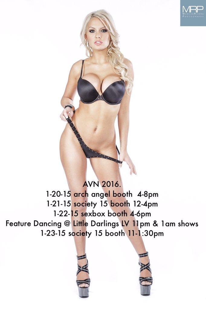 AVN 2016. Come meet me! #KenzieFrenzy 4CAykq2NDb