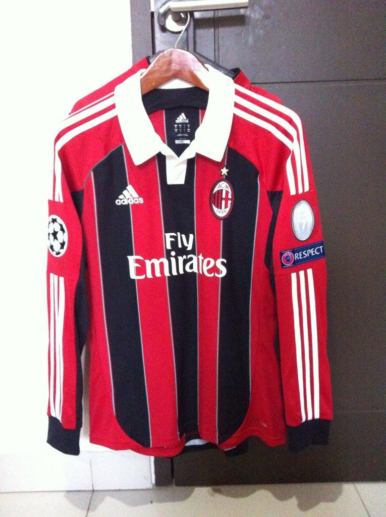 @_OriginalKit AC Milan Home 12/13 LS • Full patch • MINT • NNS + BoH ORI • Size M • 350k • 087886595971 #jersey4sale https://t.co/WkMKbvtXZ6