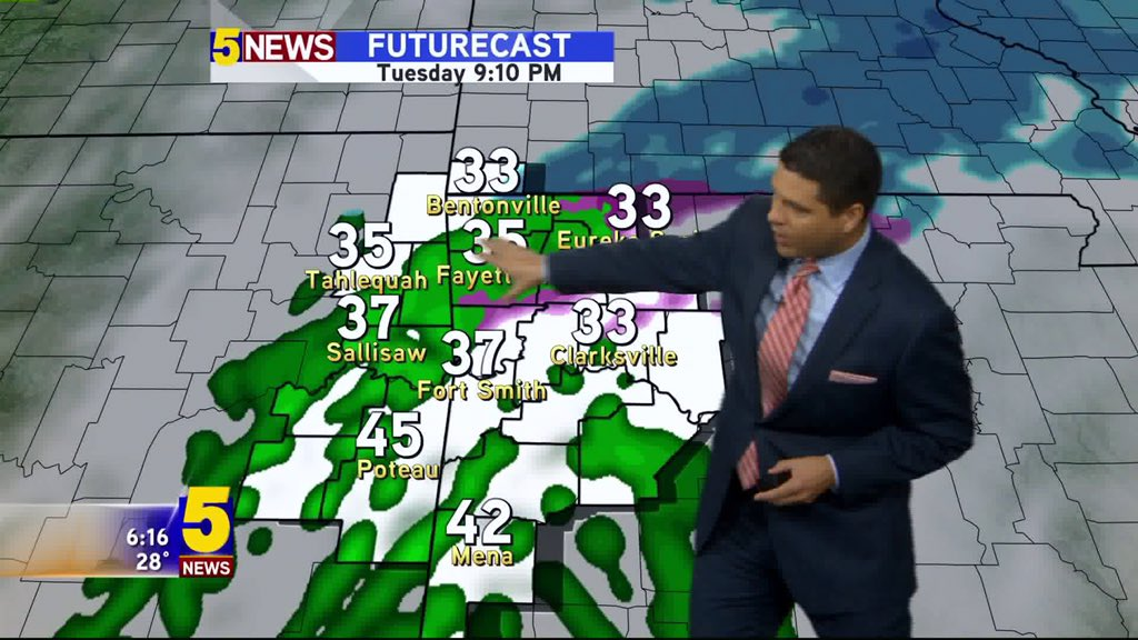 Winter wx is possible tonight & it could cause slick roads Wednesday AM. @5NEWSJoe has the forecast now on 5NEWS https://t.co/fg2ATEeyZK