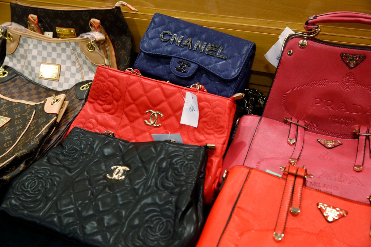 why do people buy counterfeit merchandise From nike shoes to coach handbags, counterfeit goods are getting harder to pick and are a growing problem thanks to online shopping choice shows you how to arnold and individuals wanting to turn a profit are also known to buy knock- offs on these trade portals and resell them for a profit on online auction houses.