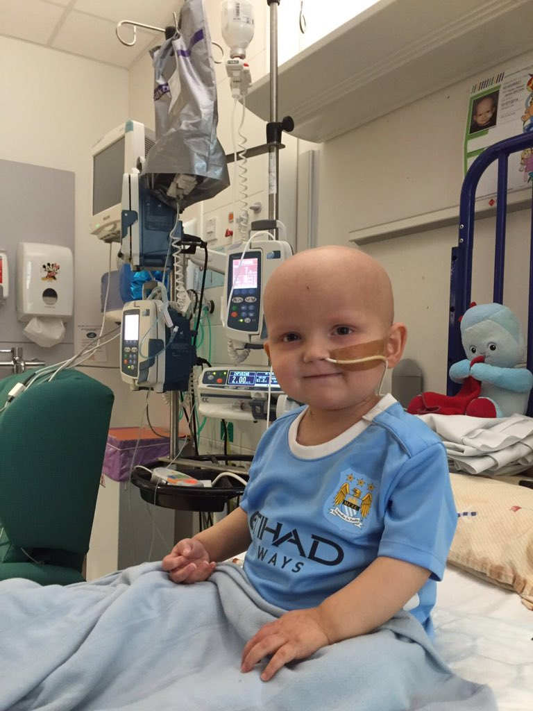 Huge thanks to Gael Clichy @MCFC for putting a big smile on my nephew Dylan's face after his bone marrow transplant https://t.co/xd4Y6Abv6r