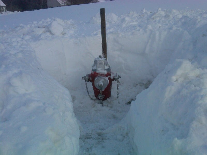 Removing snow from around hydrants a crucial part of winter fire safety https://t.co/iwFkrxQZFv #AdoptaHydrant https://t.co/A7I9tI1fFv