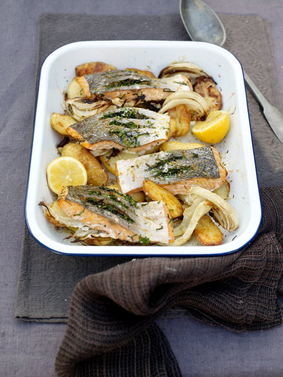 Super easy #salmon with fresh herbs, roasted fennel and spuds for today's #RecipeOfTheDay: https://t.co/R2jDiWB9d5 https://t.co/vrgAsvnvDV