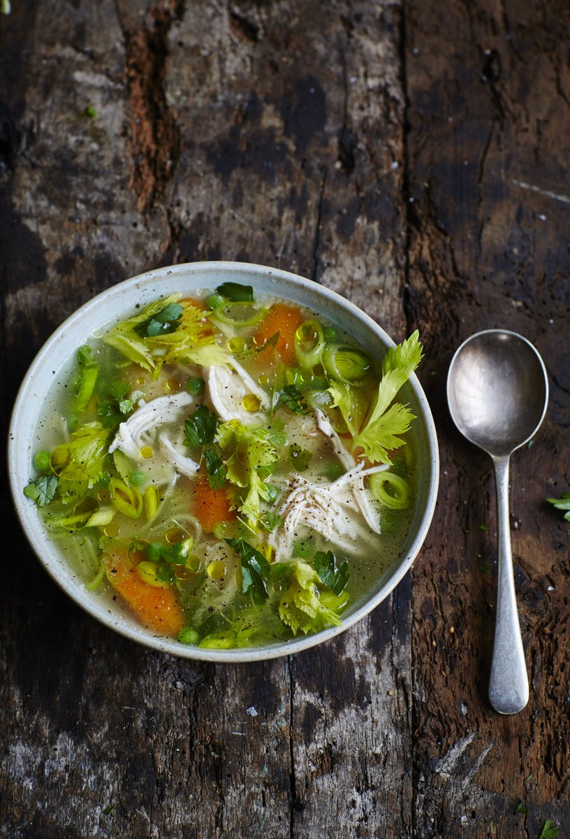 #RecipeOfTheDay is this mouth-wateringly beautiful poached chicken and veggie #soup: https://t.co/ScTpdbreJi https://t.co/tAXWEbVpar
