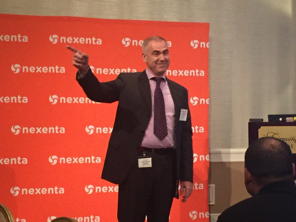 The Future Happens Fast! Henri Richard of @SanDiskDataCtr gives the closing session at our WW Kickoff! #OpenSDx https://t.co/vAkcicswzI
