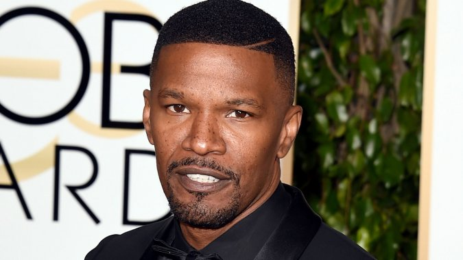 Jamie Foxx Saves Driver from Burning Truck