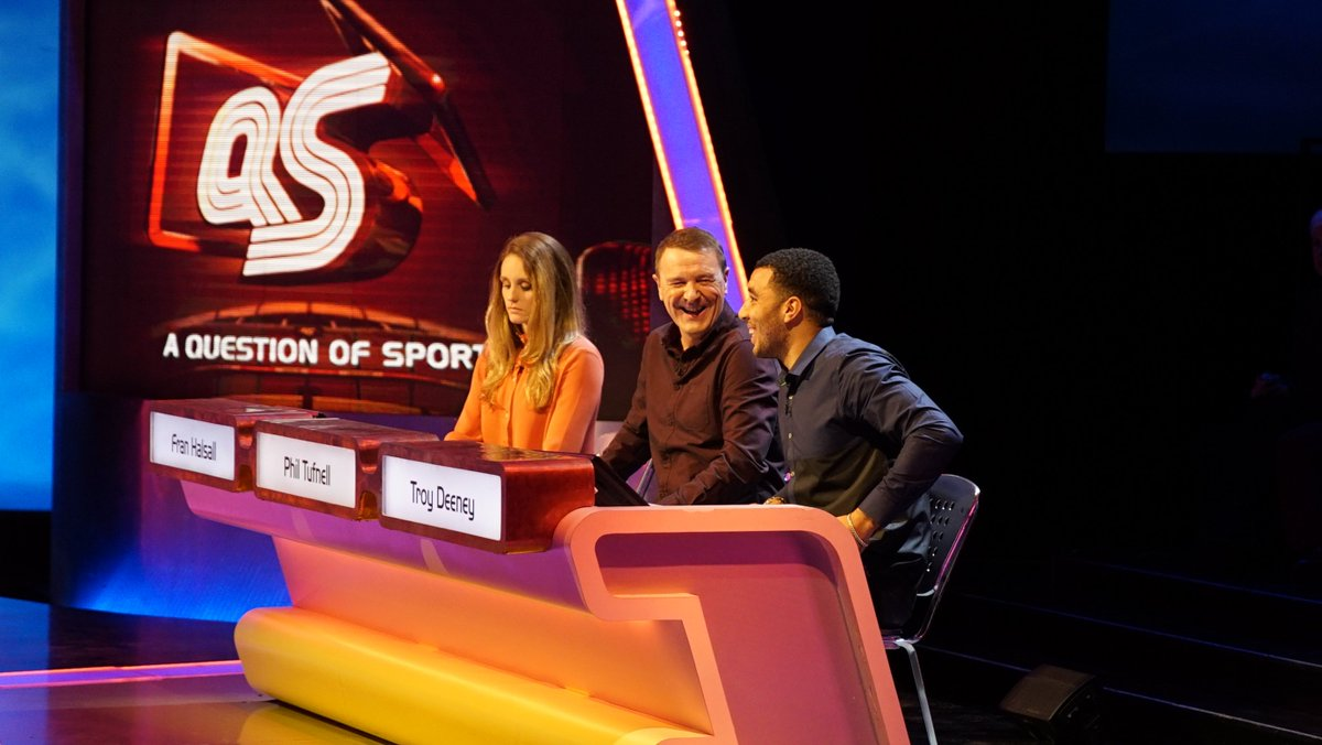 With @philtufnell tonight on @QuestionofSport are @WatfordFC captain @T_Deeney & @britishswimming star @franhalsall https://t.co/BxjmyZqm8c