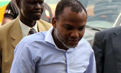 Breaking: Court orders Nnamdi Kanu to be taken to prison https://t.co/sE37CgdQYY https://t.co/tJMDFE6KMb