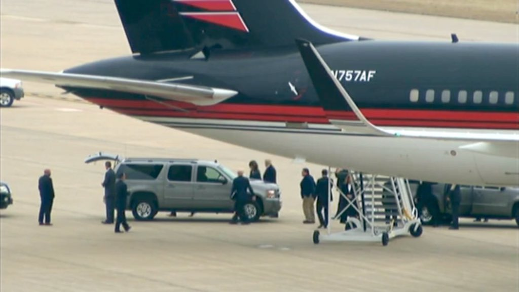 BREAKING: @realDonaldTrump has landed in #Tulsa and is on his way to the Mabee Center. #trump #gop #rally #Oklahoma https://t.co/oPmfoRyD0W