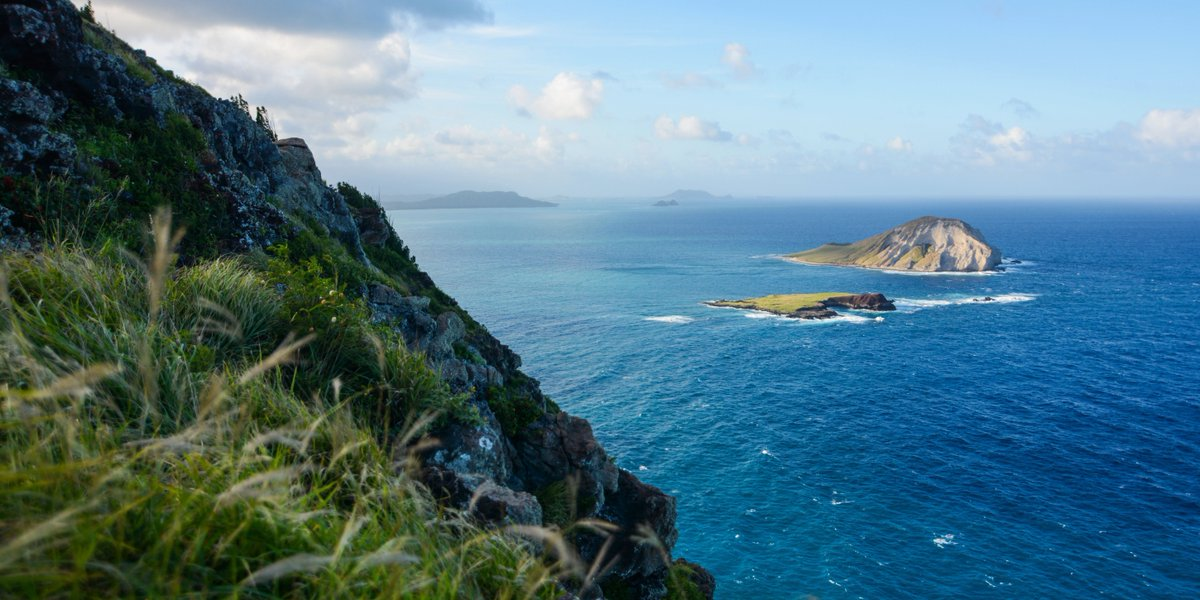 We've got our eye on some breathtaking views of #Oahu from Makapuu Point. https://t.co/yLzjUoFX72