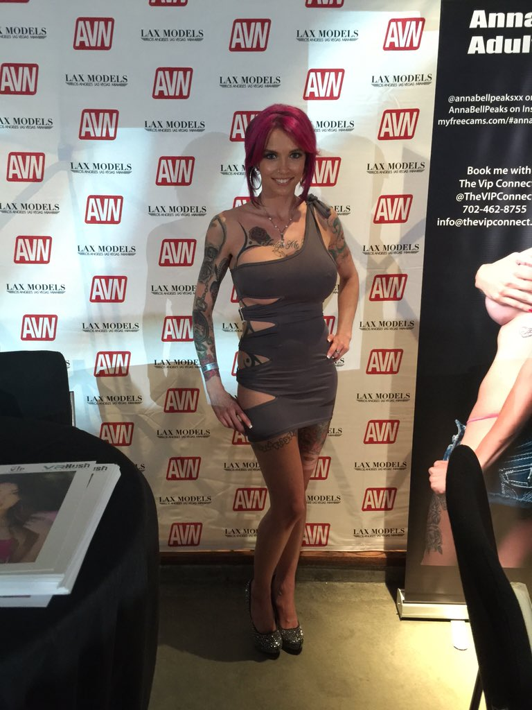 First pics from the #AVN #aeexpo in #lasvegas G905MPji9P