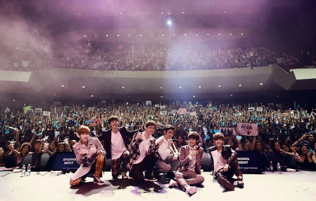 2 weeks to go until #kpop @G_BoyFriend and @officialjjcc live in concert at @Carriageworks https://t.co/DVlpCsXWSZ https://t.co/vnucgz7c7a