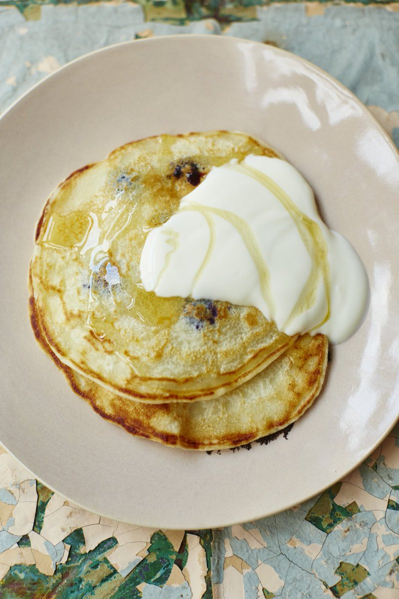 Start practising for #PancakeDay with our super easy one-cup pancakes: https://t.co/eA8D0C7yUR #RecipeOfTheDay https://t.co/d8FNleI3c6