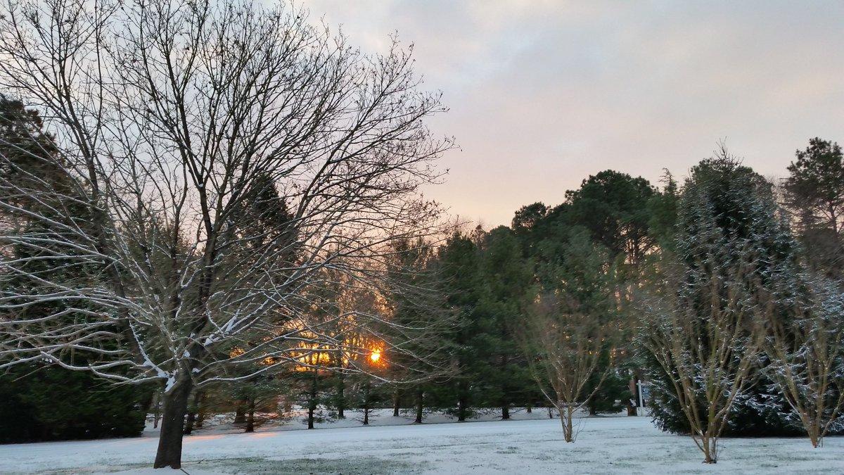 Good Morning #Sunrise @AMHQ @weatherchannel @SamChampion @MattStuckerTV @Anaridis @JimCantore From Easton, MD! https://t.co/pJJjpjOUWC