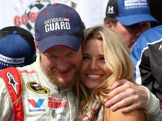 Happy #NationalHugDay! Victory Lane hugs are definitely the best! #TBT #2014 @DaleJr @Amy_Reimann @poconoraceway https://t.co/zvyzOGbZVg