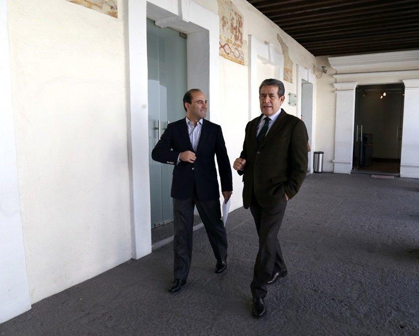 Para fortalecer vínculos entre @CongresoPue y @SGGPuebla, @AguilarChedraui y @DiodoroCarrasco sostuvieron reunión https://t.co/nTqwWDjq2L