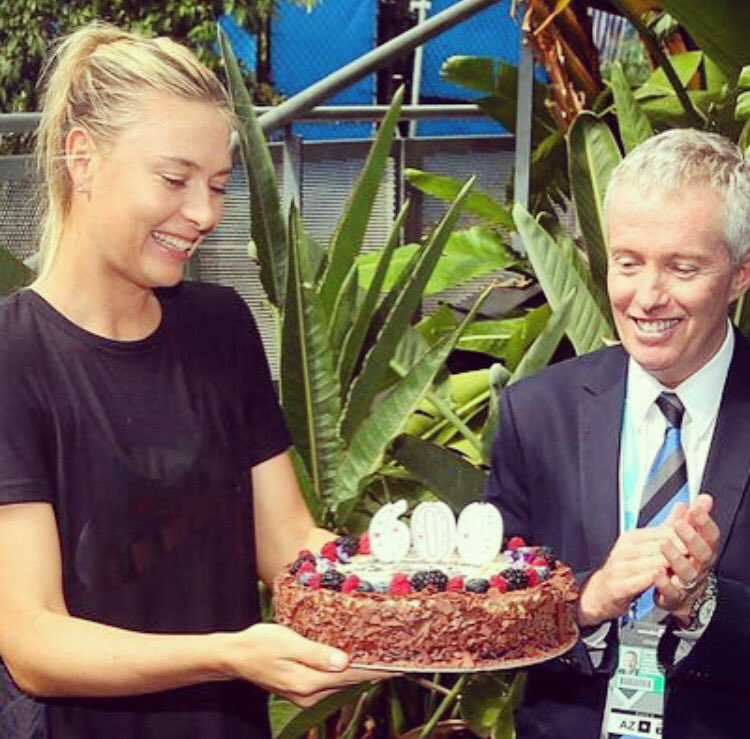 Thank you for the yummy cake and memories @AustralianOpen 6️⃣0️⃣0️⃣ #AusOpen #600 https://t.co/hQmsHw68xj