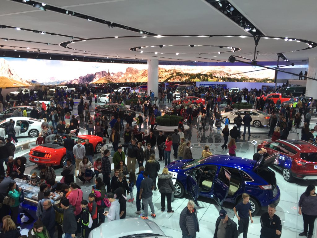 Bring your family down to the #Ford display for family day at #NAIAS #NAIAS2016 https://t.co/IAR5C5oLkg
