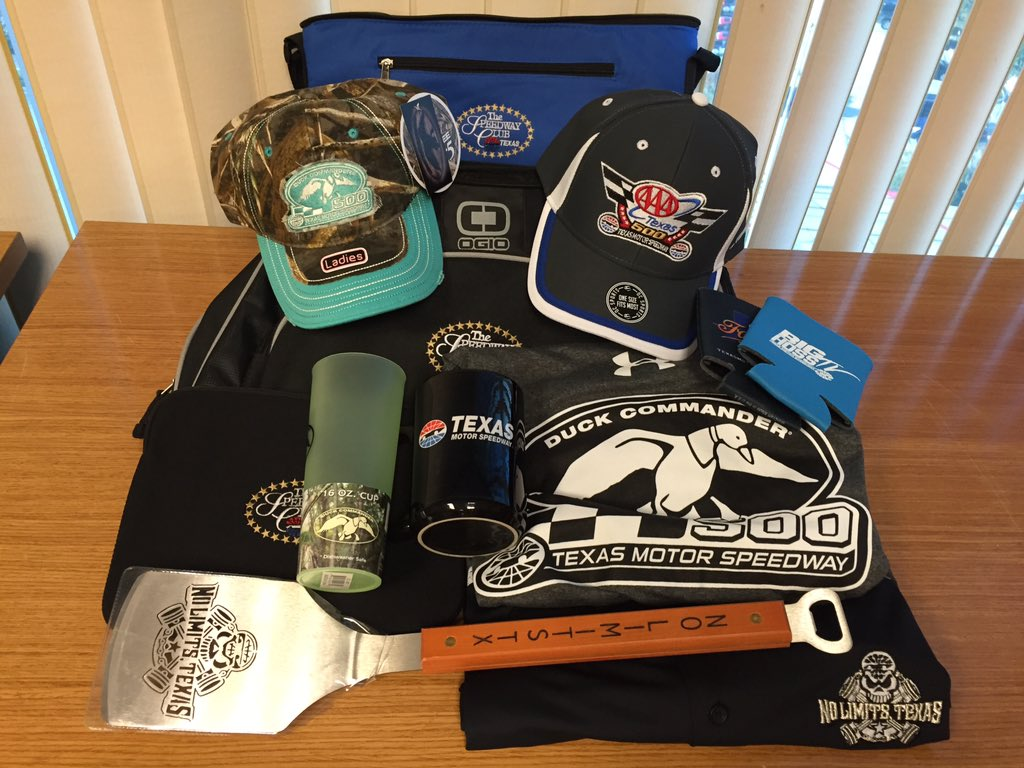 Retweet this & follow @SpeedwayClubTMS for a chance to win! We'll select a random winner at 5PM CT. #FreeStuffFriday https://t.co/1NSC3zzffE