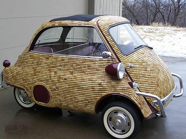 If your #BMW #Isetta is covered in #cork, is this the car key? @Demicassiani @winewankers @tinastullracing  #wine https://t.co/xJKqFHfJ4Y