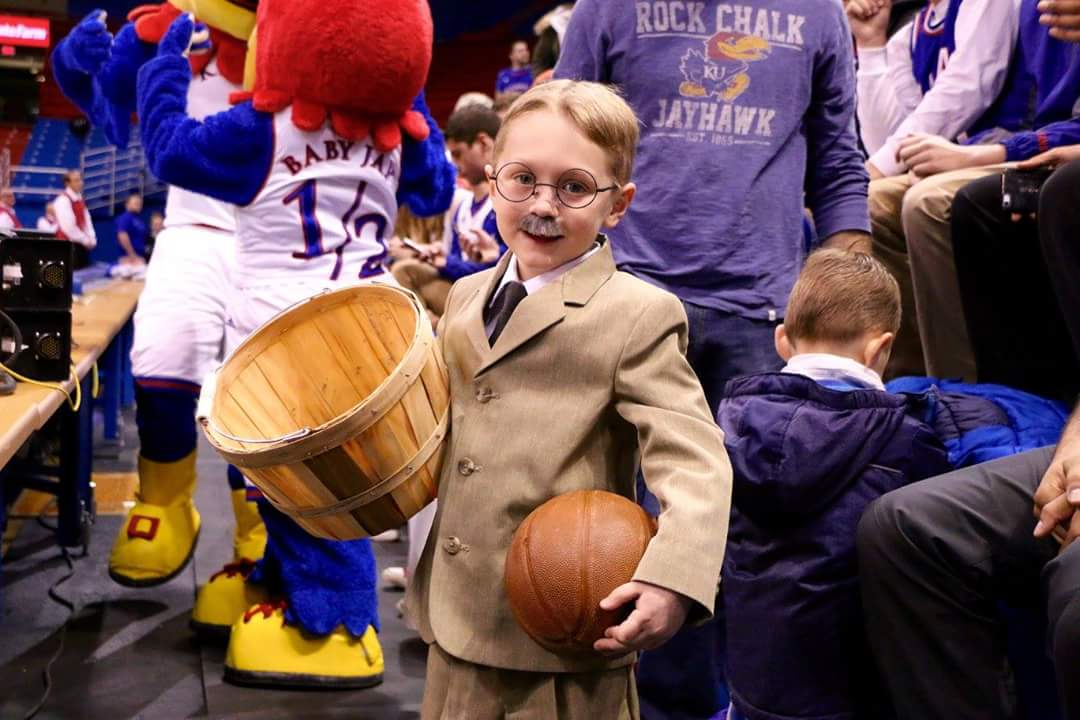 This kid wins the day! #rockchalk #kubball https://t.co/brYZPgGXLE