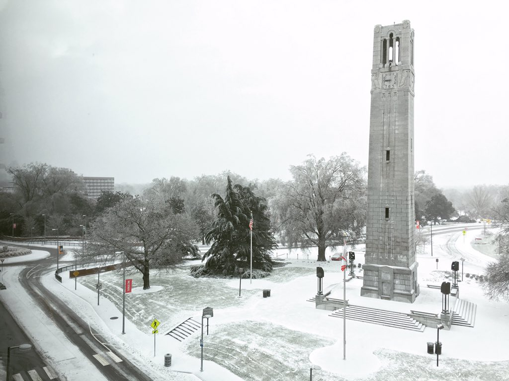 .@ncstate bell tower in the snow https://t.co/Trm45q3Rzc