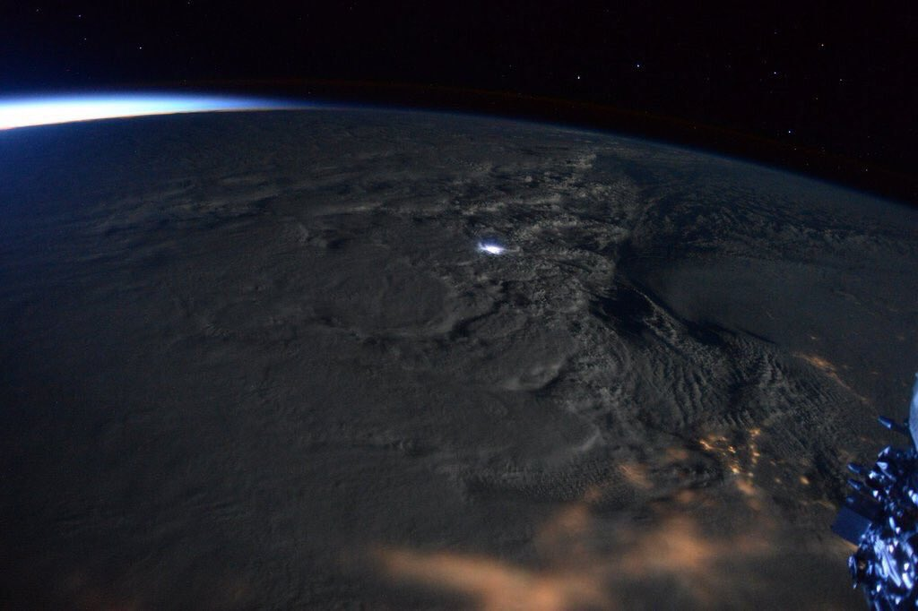 The photos of #jonasblizzard from space are pretty magnificent https://t.co/eO5Jb9Jiul