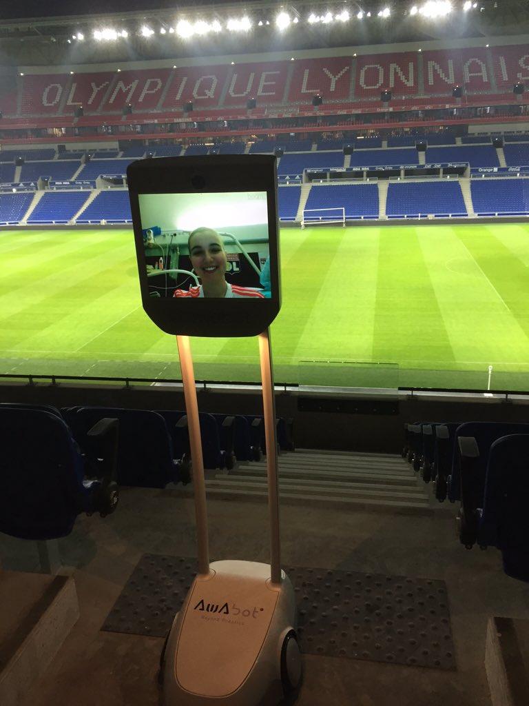 Au tour de Marie de découvrir le grand stade merci @JM_Aulas et la fondation de l' @ol pour avoir ouvert les portes https://t.co/XjGKTwgbRG