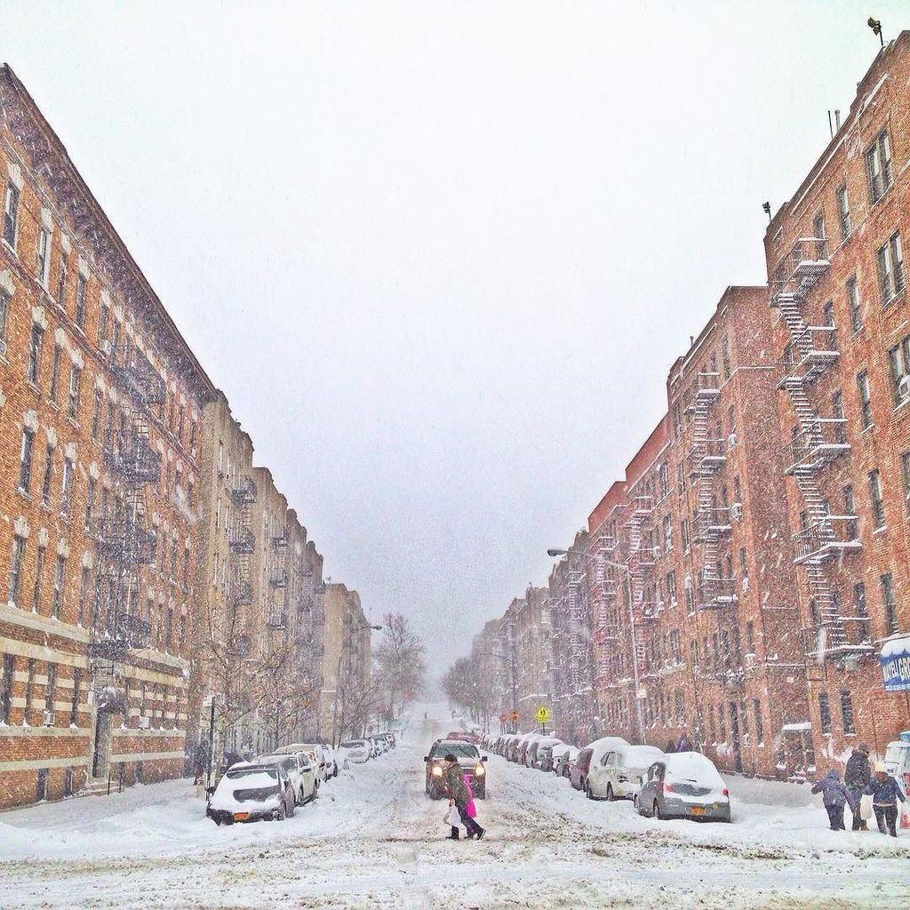 Upper Manhattan canyon #nyc #ilovenewyork #blizzard2016 via Instagram: https://t.co/rFx3kGv1pJ https://t.co/58LRsO0qKU