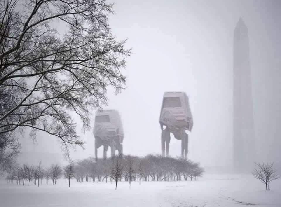 Uh oh. #snowzilla @capitalweather https://t.co/LsCGEJN8zv