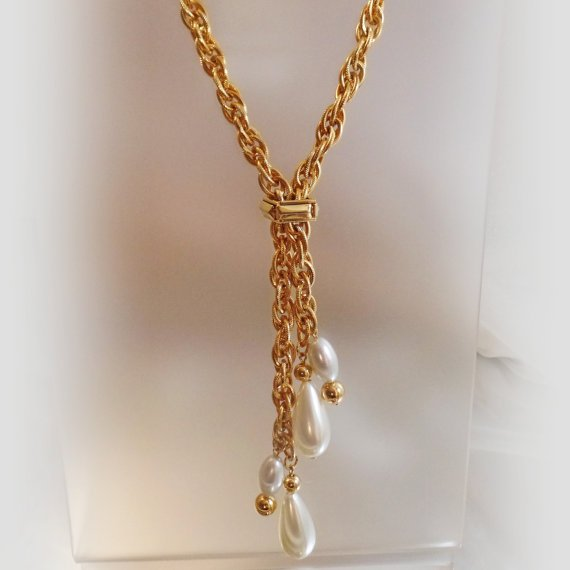Vintage Gold Rope Teardrop Pearl Necklace. Heavy Gold Tone Chain with Faux Pearl... #ecochic https://t.co/9NTj2uvNyV https://t.co/qXvp408vVh