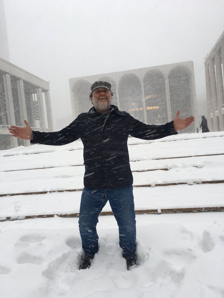 Is that Alberich in the background. Met opera covered in snow and NY streets closed. Still snowing hard. https://t.co/xTFNhbOdYl