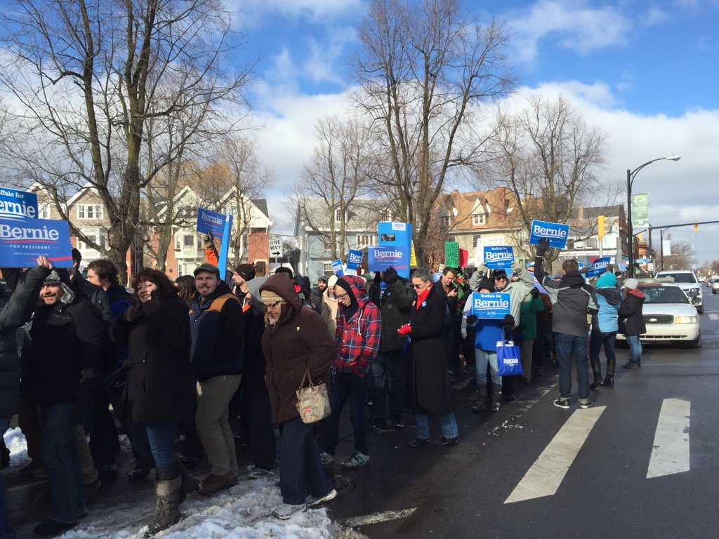 #MarchForBernie comes to the streets of Buffalo's #ElmwoodVillage https://t.co/mCnL8oH6Ij