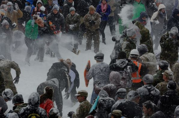 Virginia Tech's Civilians vs. Corps of Cadets snowball fight https://t.co/eeVYp9Slxc photos by Matt Gentry #hokies https://t.co/V8H6pHOmp7