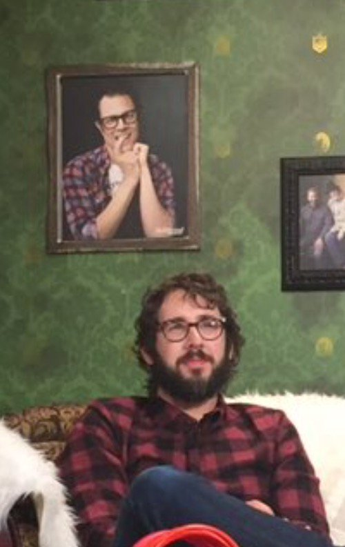 @joshgroban part of me really wishes you'd posed like the portrait behind you https://t.co/71wNwpaMXD